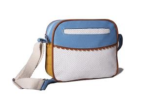Bandolera Smily Una perfecta combinación de telas, colores y texturas. Apertura con cierre. Bolsillo exterior e interior. Manija regulable. Medidas 25x20x7 $ 380